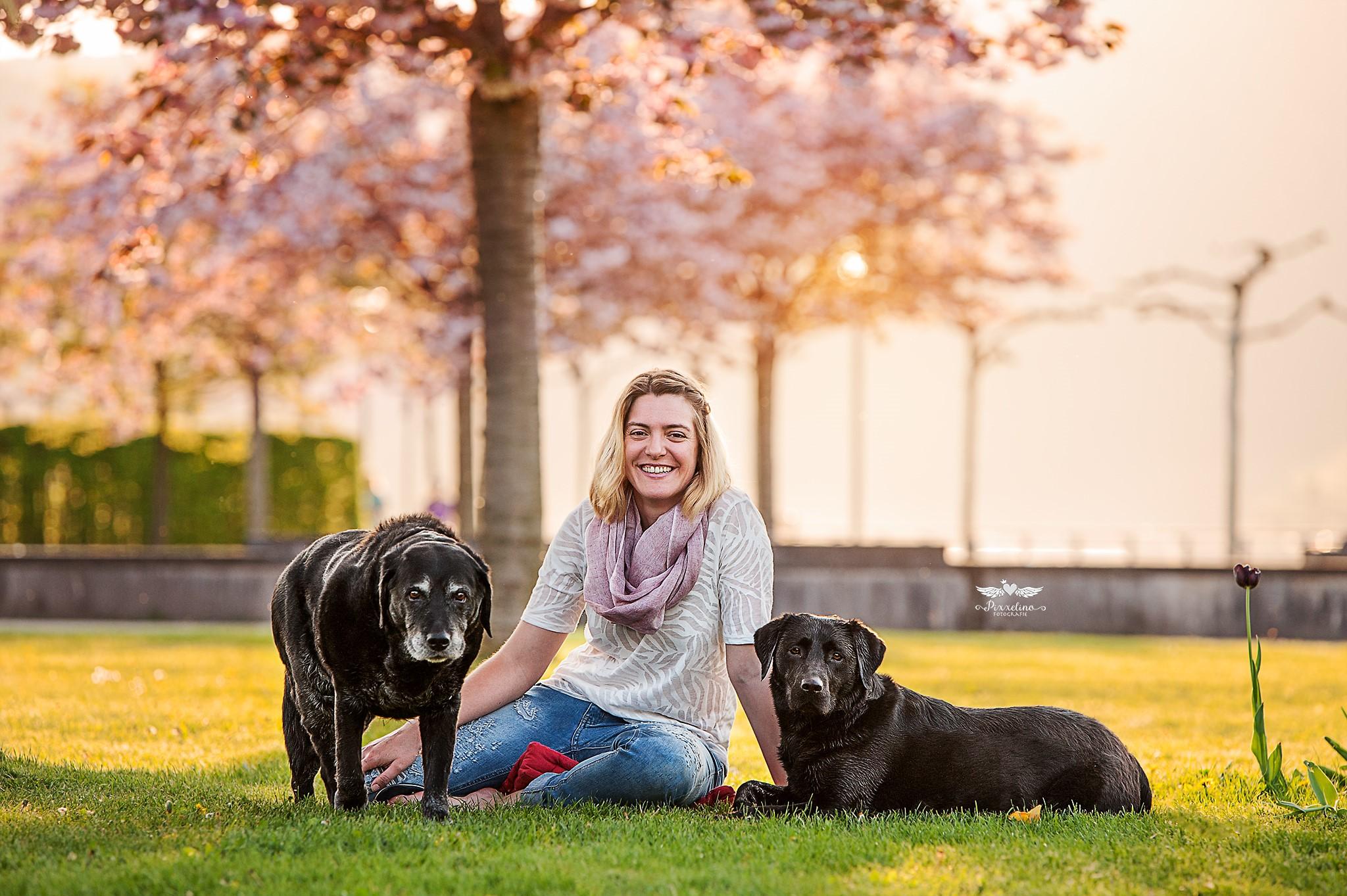 Simone Schier mit Hunden
